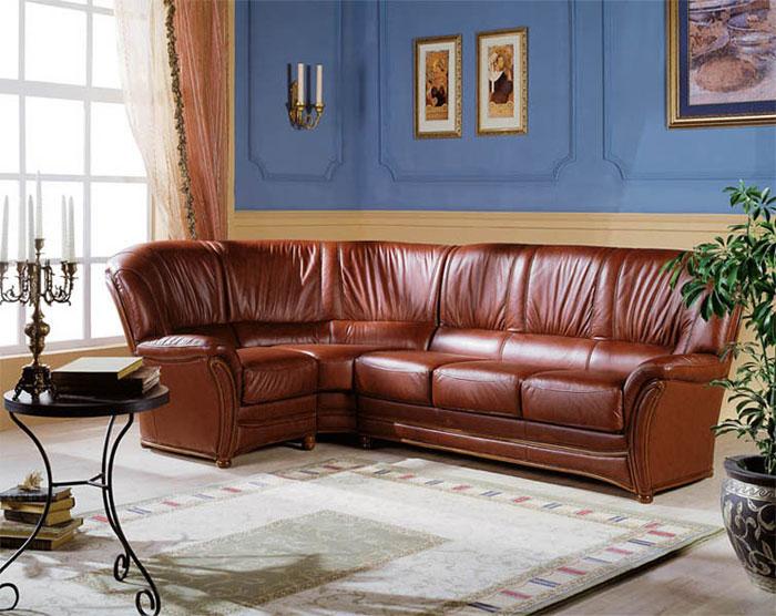 Кожаная мебель в кабинете