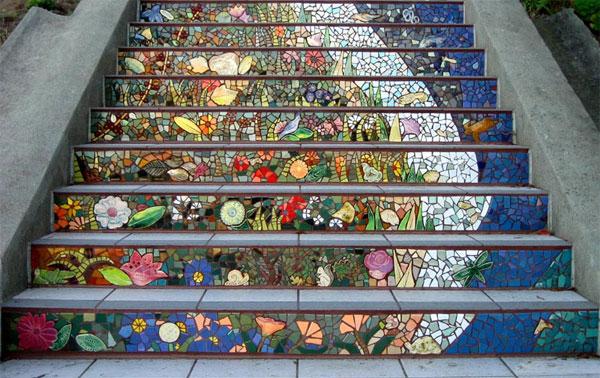 Мозаика на лестнице