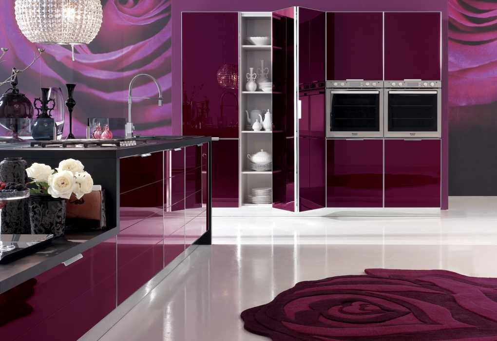 Дизайн интерьера кухни в фиолетовых цветах