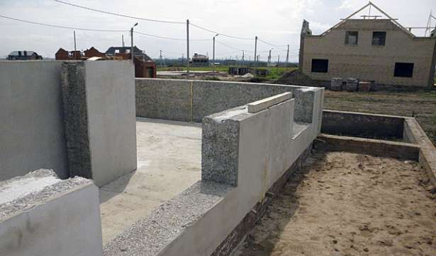 Строительство стен из деревобетона