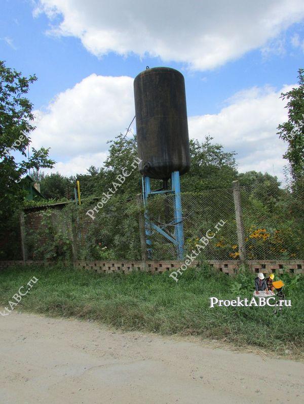 Накопительный бак для водоснабжения