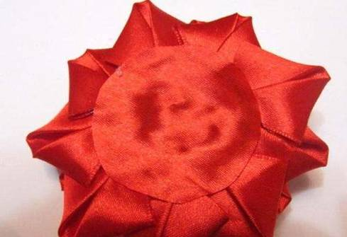 готовая роза канзаши