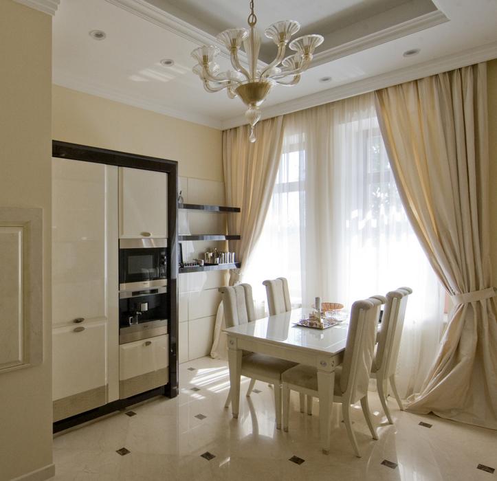 классические шторы на кухню, модные в 2016