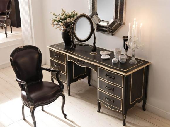 кресло, зеркало для спальни в классике