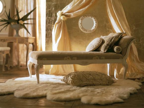 дополнительная мебель для классической спальни