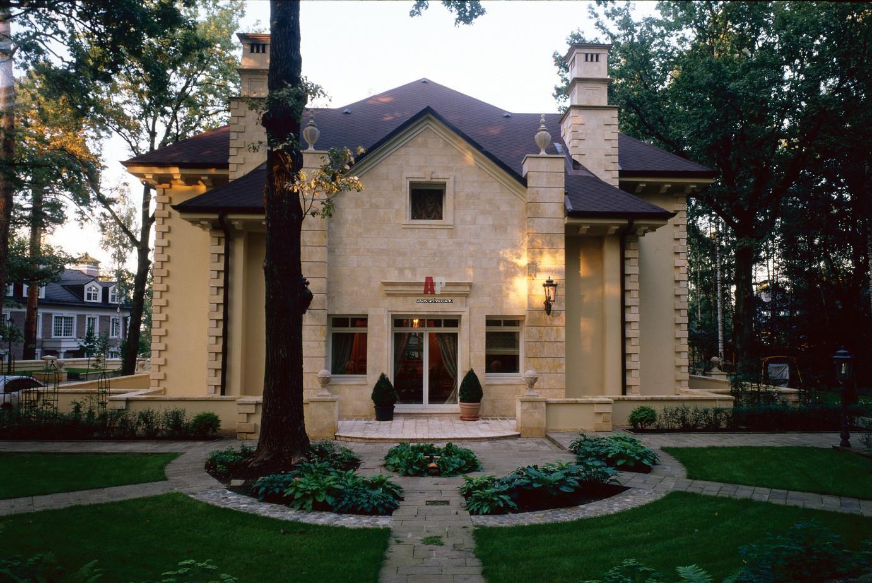 дом в стиле классика фото